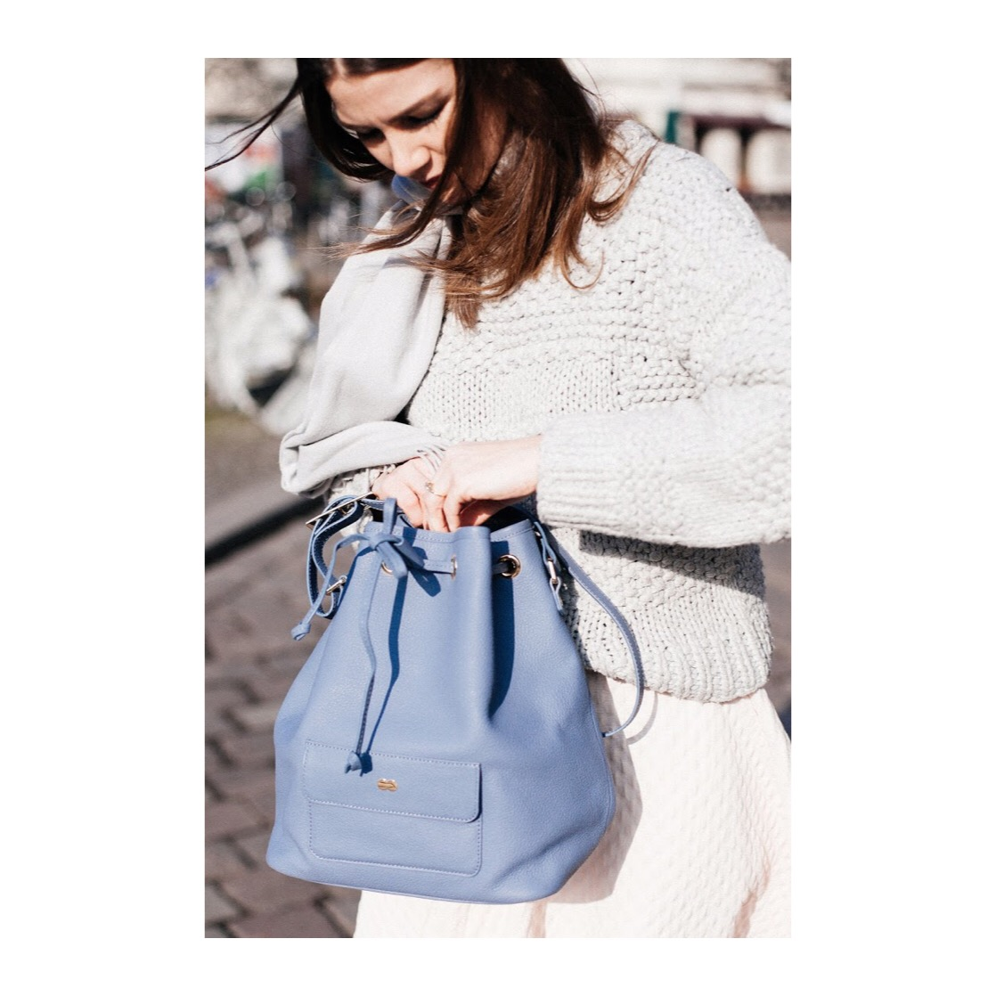 VICKY Bucket Bag Taubenblau
