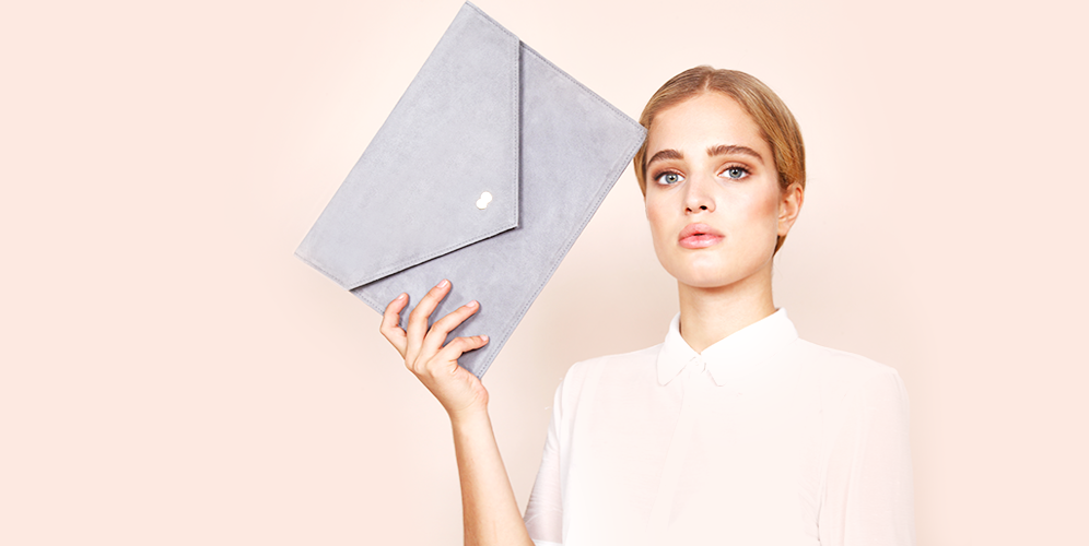 EMILIE Clutch Bag Grau